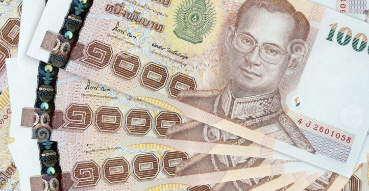 thai-baht-bahte-banknote-stack-36068871-copy