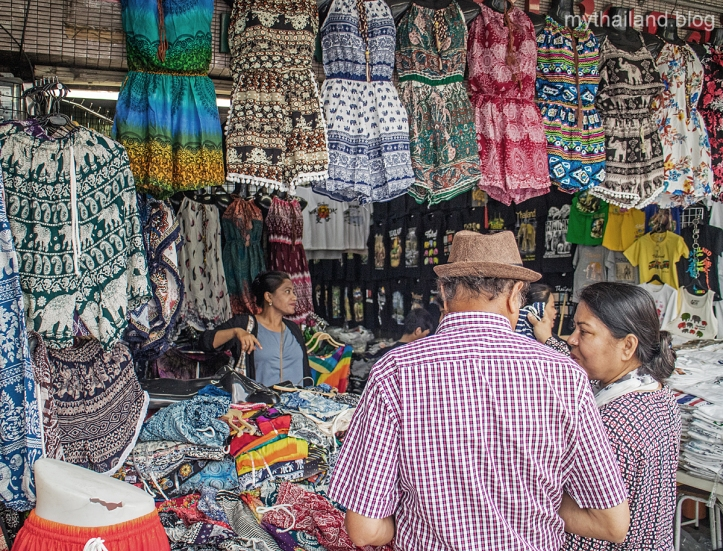Bargaining at Pratunam Market